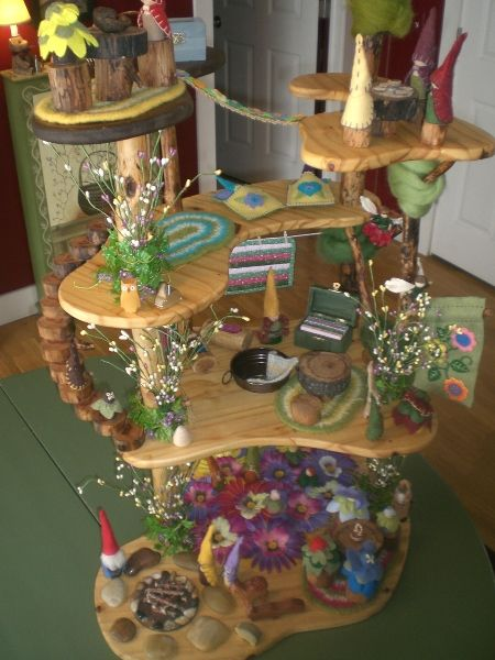 Spring Gnome House. For more inspiring play ideas: http://pinterest.com/kinderooacademy/imagine-dream-pretend-play/ ≈ ≈