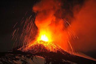 Paralia News- (Breaking News): Έκρηξη του ηφαιστείου Αίτνα- Τραυματίστηκαν τουρίσ...