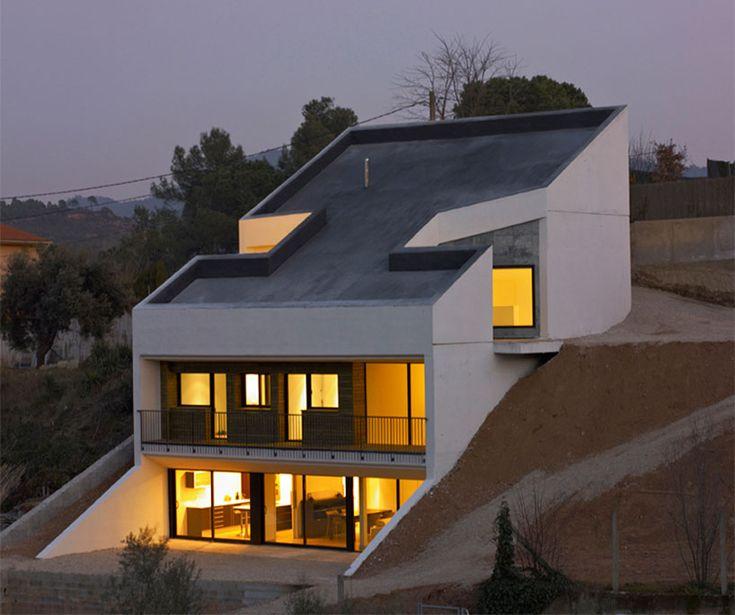 'Toni House'   by spanish studio pepe gascón