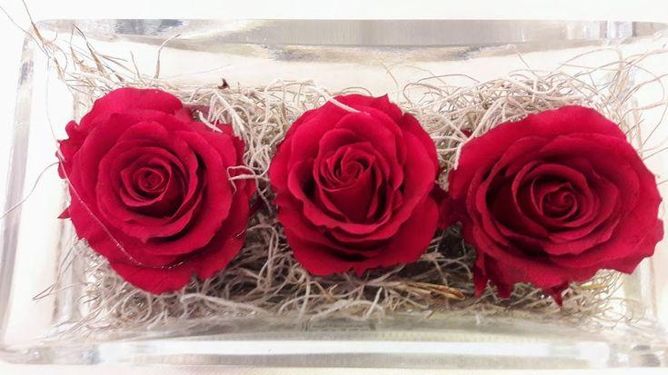 forever-roses-glass-table-vase-triantafilla-gia-panta