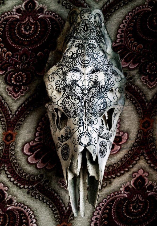 Best 25 Skull Painting Ideas On Pinterest Skull Art Skull Artwork And Gold Wallpaper Skull