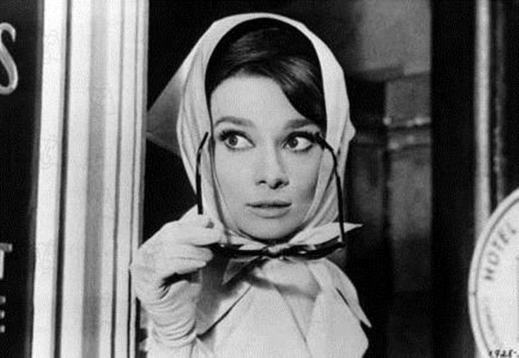Audrey-Hepburn-con-foulard.jpg (800×552)