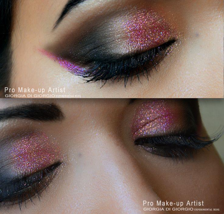 Per il trucco occhi, applicare con un pennello una piccola quantità di lipgloss RED LIGHT e far aderire il glitter. GLITTER MANIA -MAKEUP IDEAS by Giorgia Di Giorgio