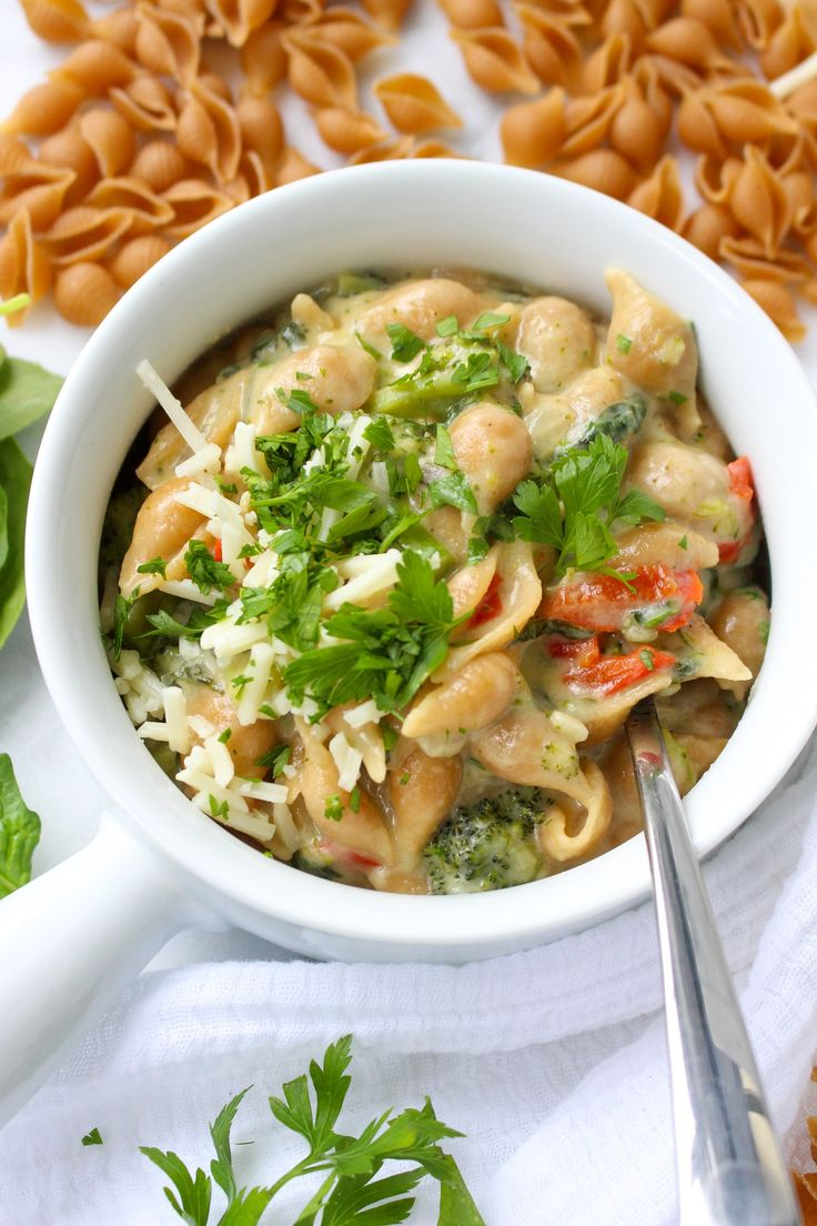 One-Pot Broccoli Shells & Cheese from @yestoyolks