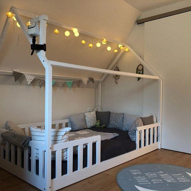Bild Von Sarah Hinderer Auf Kinderzimmer In 2020 Kinderbett Haus