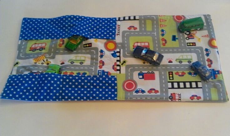 Autos - kleiner Autoteppich zum Mitnehmen, für Unterwegs - ein Designerstück von unique-STUFF bei DaWanda