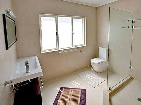 Self catering accommodation, KalkBay, Cape Town   Bathroom   http://www.capepointroute.co.za/moreinfoAccommodation.php?aID=473