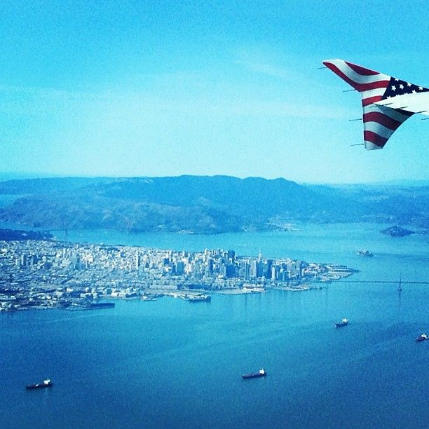Nice #PhotoFromTheWing over San Francisco by @mschneider.