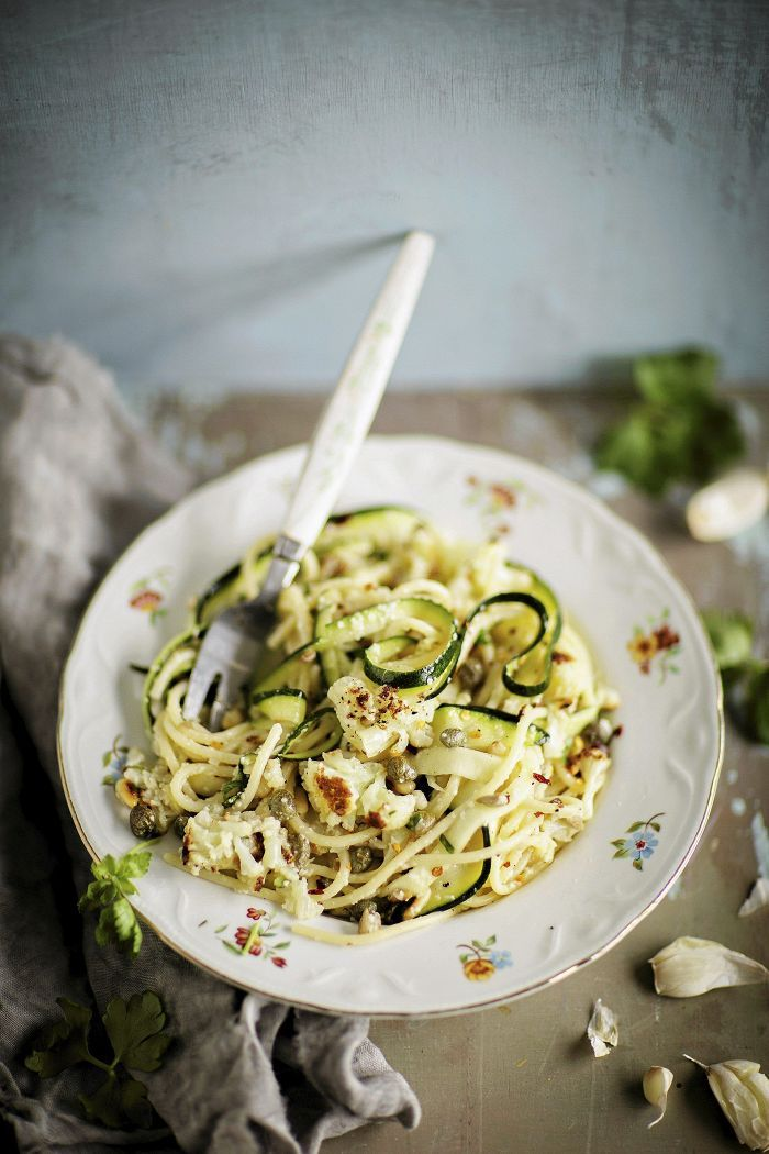 Zucchini and cauliflower pasta