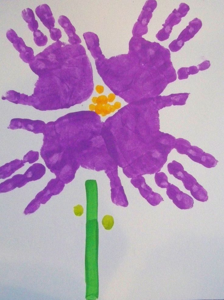Purple Crafts for Preschoolers | Flowers without the dirty mess, watering, upkeep and dying...
