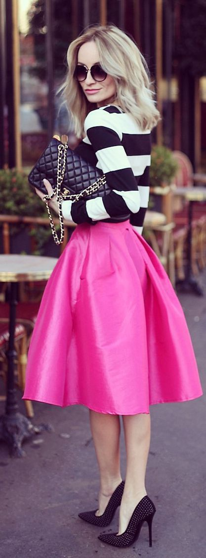 Monochrome with hot fuchsia pink - a great cool toned colour combination.
