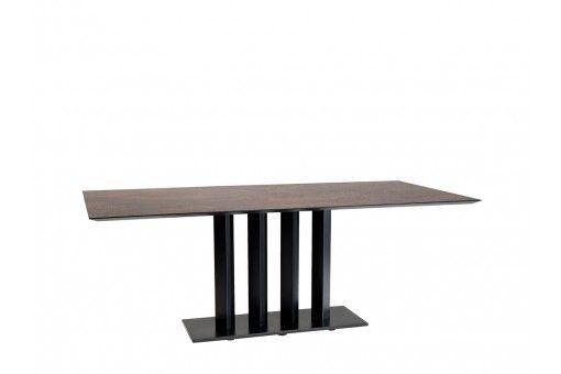 Leolux Eetkamertafel Vivre Largo.Petra Een Echte Designtafel Met Een Hpl Blad Table Design