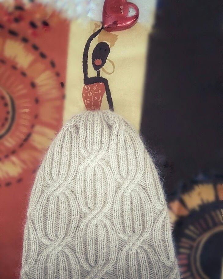 Шапка двойная с косами из мериноса и кидмохера. #шапка #двойнаяшапка #шапкаскосами #мастеркласс #мастерклассдвойнаяшапка
