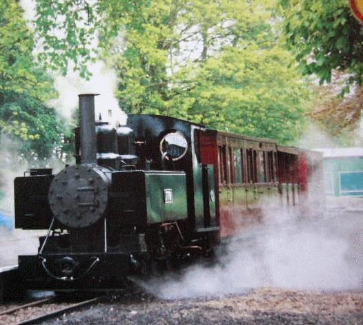 Leighton Buzzard narrow gauge steam train