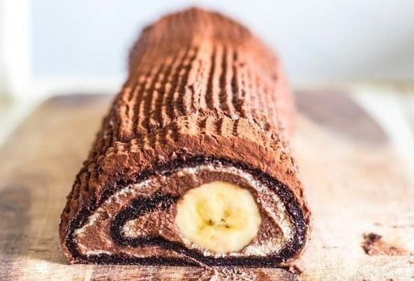 Čokoládovo  banánová  roláda
