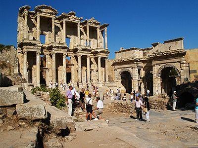 世界遺産「エフェソス」のケルスス図書館