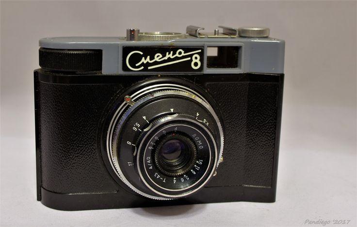Smena 8 (GOMZ) - 35mm film (plastic body), viewfinder camera (c1969-1971)