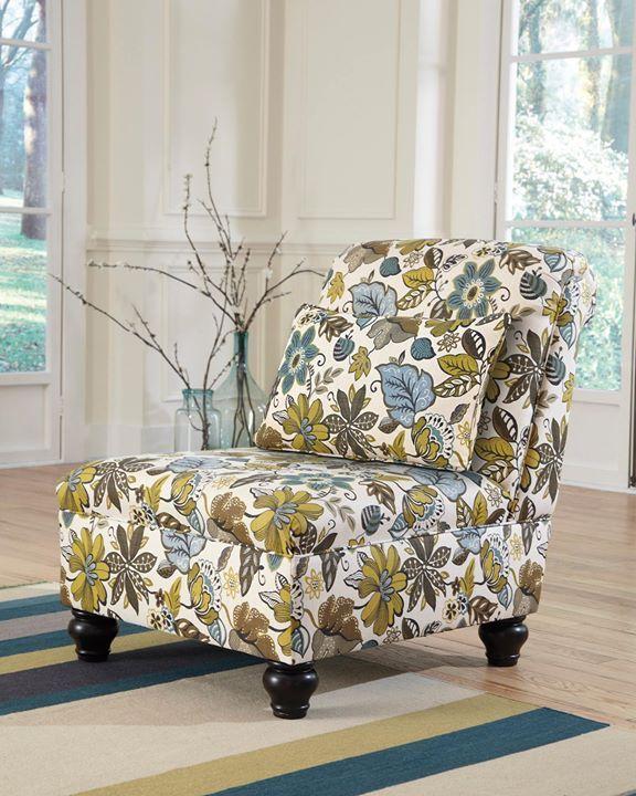 Nuestro sillón #Hariston es perfecto para darle color a tu living. Su perfil bajo y hermoso estampado le darán frescura y audacia a tu hogar   #AshleyFurnitureHomeStoreChile #AshleyFurnitureHomeStore #estilo #muebles #accesorios #primavera #verano #decoración #diseño #flores #verde #celeste #pistacho #sillón  Para consultar su precio escríbenos a ventas@ahs.cl  ---  25500-46 Sillón Harriston