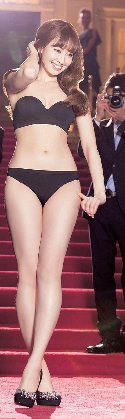 『【下着グラビア画像】AKB48こじはる 小嶋陽菜【カップ FLASH 2013ピーチジョンCM】』