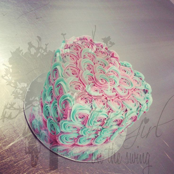 Two Tone Teal and Pink Roses Heart cake