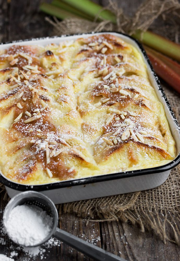 Rhubarb Bread Pudding with Creme Anglaise Sauce | www.seasonsandsuppers.ca | #rhubarb #breadpudding #dessert