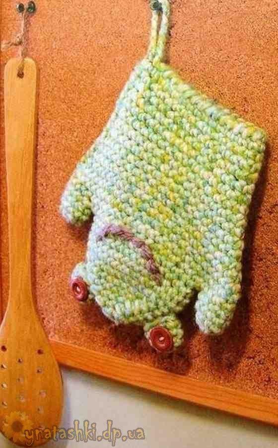 Knitted mitten potholder-frog