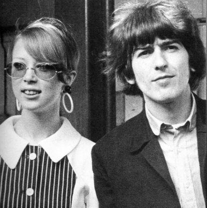 cynthia lennon and pattie boyd harrison   Pattie Boyd: Meu triângulo com George e Eric