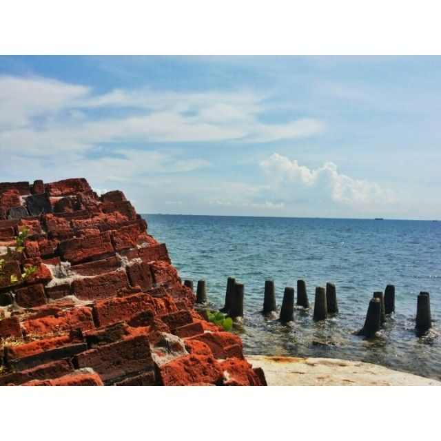 #trip #travel #beach #island #kelor #traveler #traveling #like4like #follow #follow4follow #followforfollow #likeforlike #nature #indonesia #visitindonesia #gytaregi #history #tourist #stone #cloud #cloudy