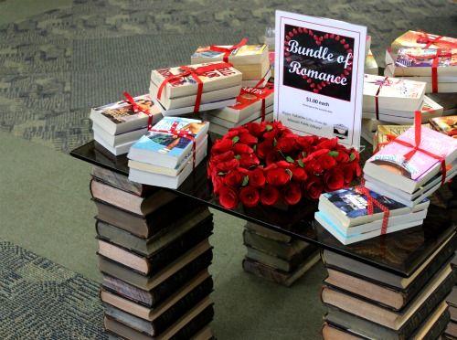 .: Bundle Books, Valentine Day Ideas, Books Display, Teen Romance Books, Gifts Ideas, Gift Ideas, Valentines Day Ideas, Teen Romances Books, Displey Books