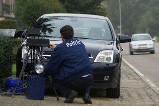Zunehmend komme ich in Kontakt mit Menschen die Langsam an fahren immer teuer er finden. Um Bußgeld zu vermeiden haben die Menschen oft ein Radarwarner legal. Der Kauf von einen Auto ist eine Menge Geld, Versicherungen sind sehr teuer, Benzin und Diesel...