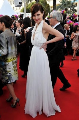 First Pic of Elizabeth McGovern at Cannes Film Festival 2012. Read more here: http://www.downtonabbeyaddicts.com/2012/05/first-pic-of-elizabeth-mcgovern-at.html