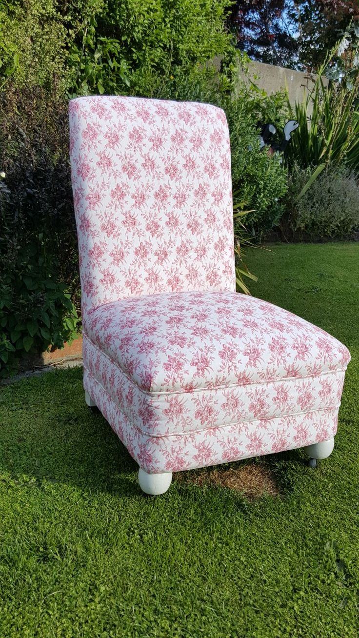 Beautiful little chair that has had a serious new lease on life.  Suitable for bedrooms or nurseries.