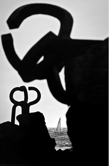 Navegando entre Chillida by Museo Chillida leku, via Flickr
