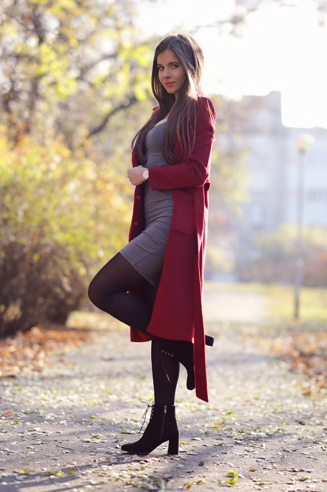 Czerwony Dlugi Plaszcz Szara Sukienka Czarne Rajstopy I Zamszowe Botki Ari Maj Personal Blog By Ariadna Majew Ari Maj Blog By Ariadna Majewska Moda
