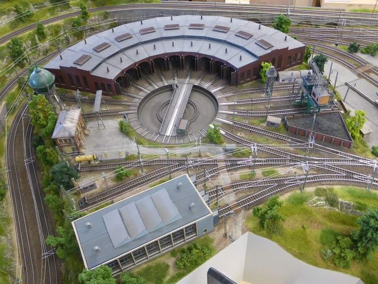 roundhouse model train wiring tracks 31 best ho scale turntable layout images on pinterest  31 best ho scale turntable layout images on pinterest