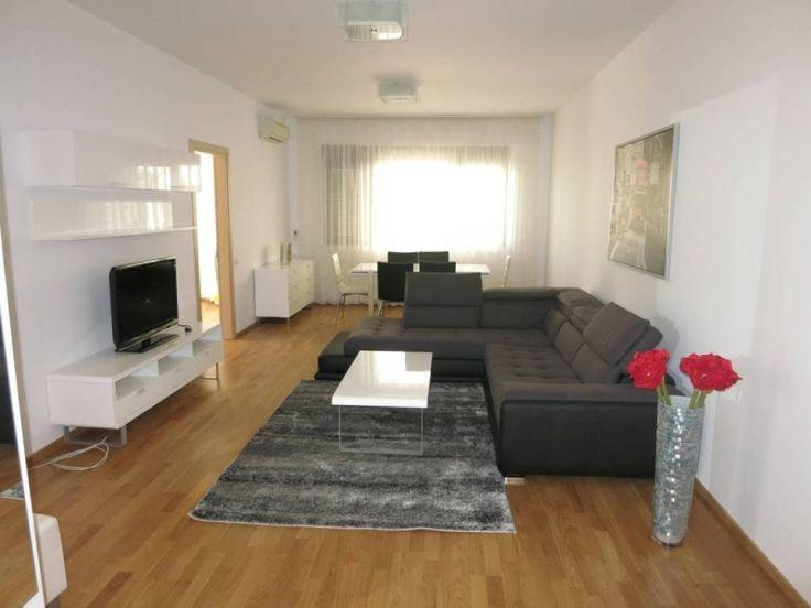 Appartement te huur in Antwerpen - 2 slaapkamers - 500 € Prachtig 2 slaapkamer appartement met ruime living, ingerichte keuken. Er is bovendien ook een kelder aanwezig. Indeling: 2 slaapkamers, ruime woonkamer, volledig geinstalleerde keuken (met!) en en...