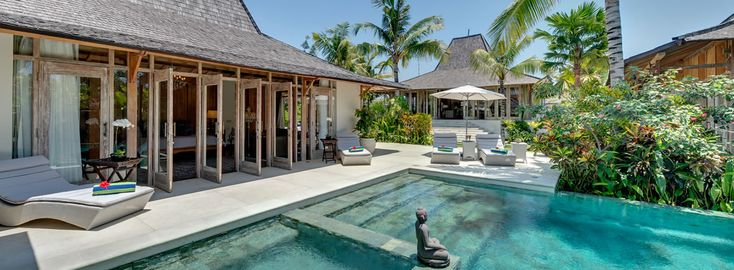 """Villa Kudus - Canggu Bali - 5brm - 5min walk to beach ($1050 USD / nt, $850 USD/nt after 1 Sept) + 15% service tax (incl tfers, chef and staff - and car for $25/day) - """"batur"""" room might work for kids?"""