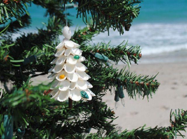 The 25+ best Tropical christmas trees ideas on Pinterest | Beach ...