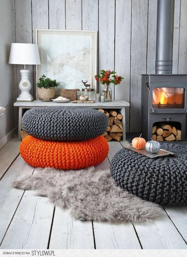 Knitted poufs became so popular with its uniqueness and coziness that we decided to make ... DIY Knitted Poufs For a Unique Accent to Your Dream Home.