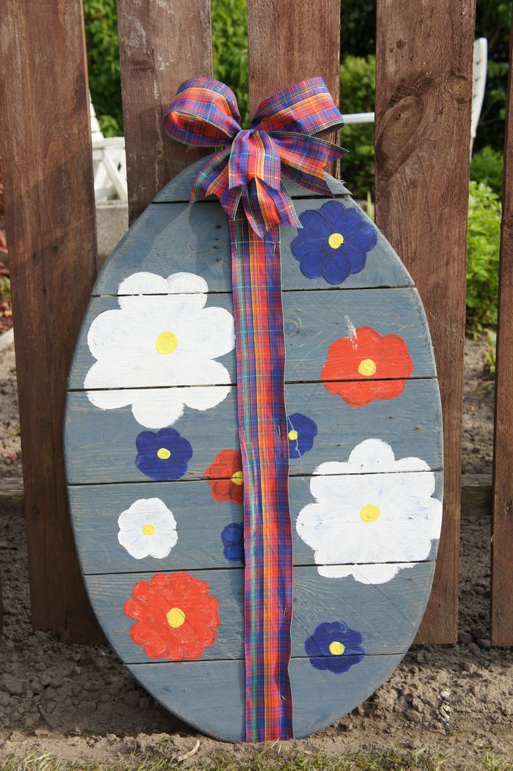 Easter egg pallet wood.  Paasei palletplanken.