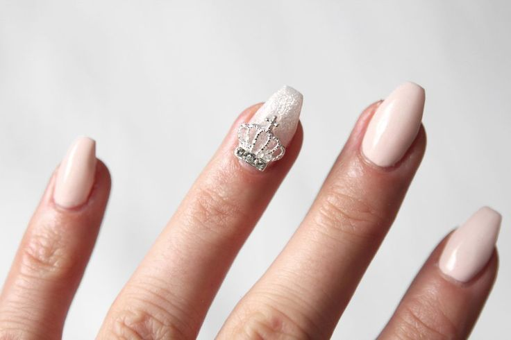 Therez.se - #nailcode #gelenails #pink and silver #crown detail #nails