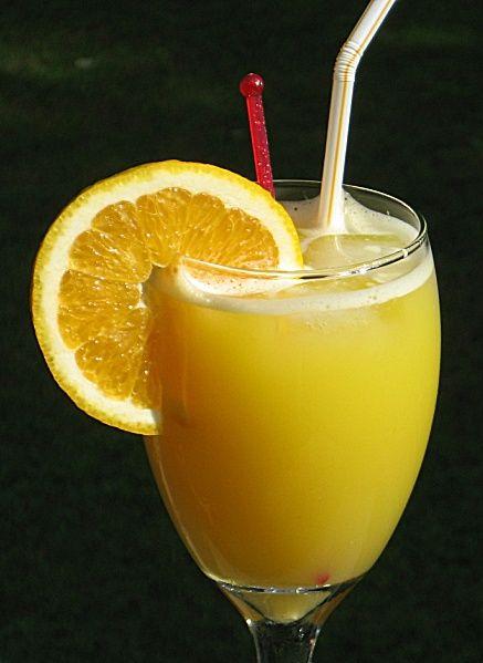 Orange Crush (2 oz. Vodka (Citron) 1 oz. Triple Sec 3 oz. fresh Orange Juice 2 oz. 7-Up Splash of Lime Juice Orange wheel for garnish)