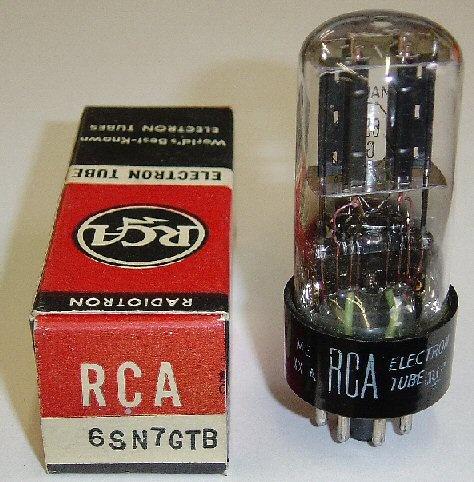 Bulbos de radio y televisores antiguos.