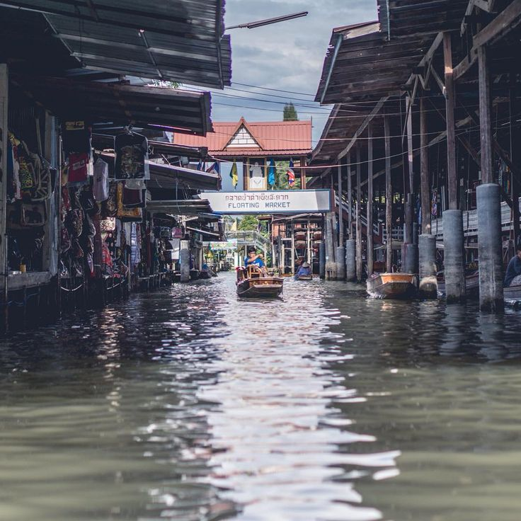 The floating market || #bangkok #thailand #amzthld #ig_thailandia #igs_asia #travel