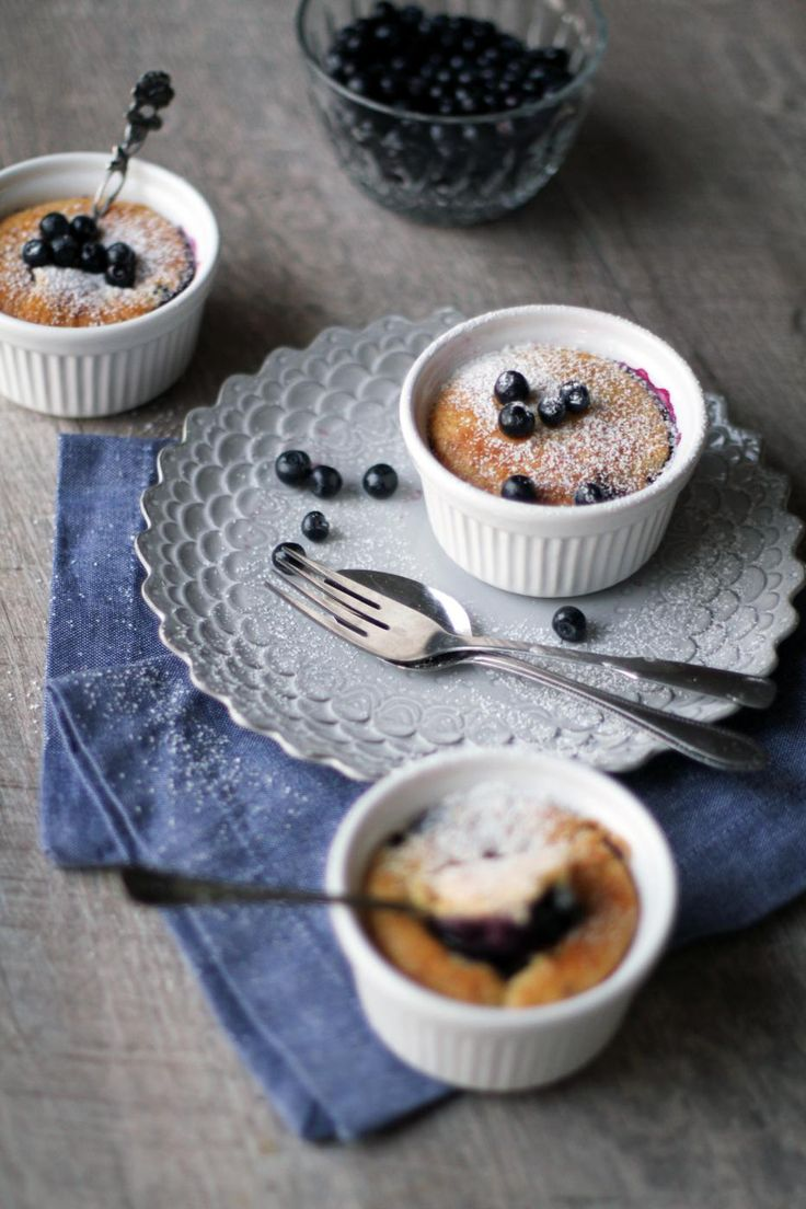 Mini blueberry cakes in ramekins, Fanni & Kaneli