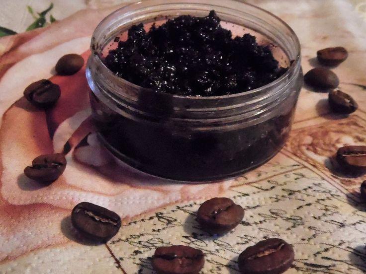 Ideen Zum Selbermachen: DIY Lippen Peeling Aus Kaffeesatz, Honig Und Öl.