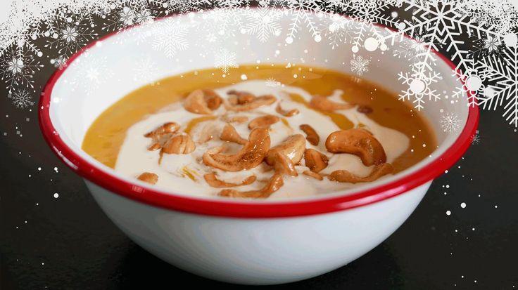 Uit haar boek Home Made maakt Yvette van Boven een heerlijke winterse soep van zoete aardappel met in boter gebakken zoute cashewnoten.