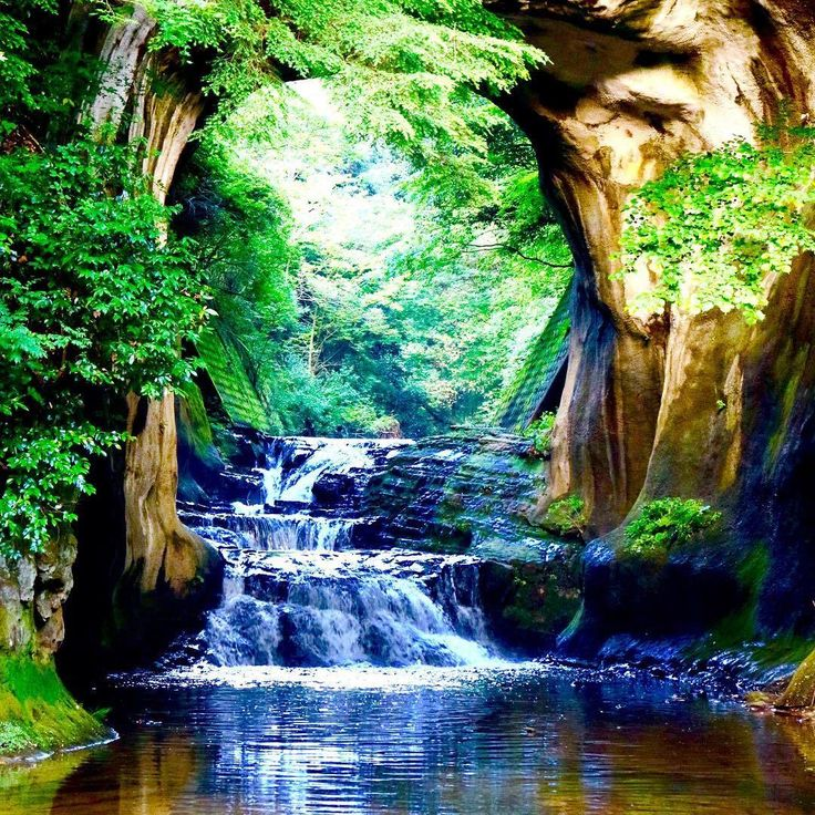 「濃溝の滝」