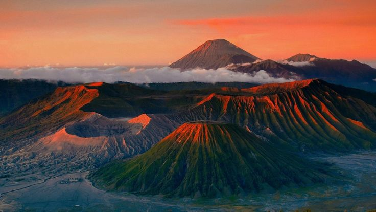 Bromo Mountain, Java Indonesia Wallpaper