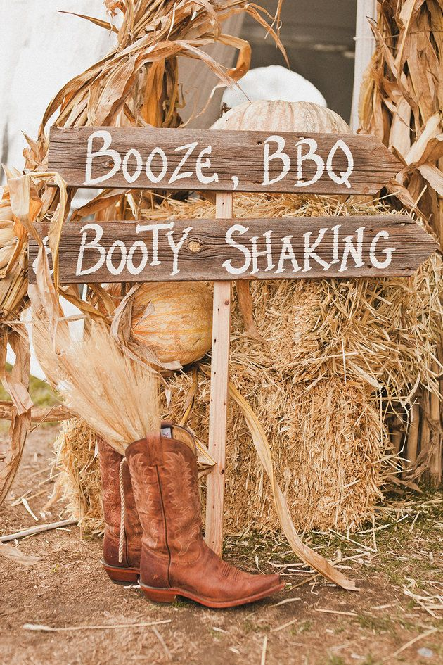 The cutest sign for a rustic fall wedding | The Melideos Photography